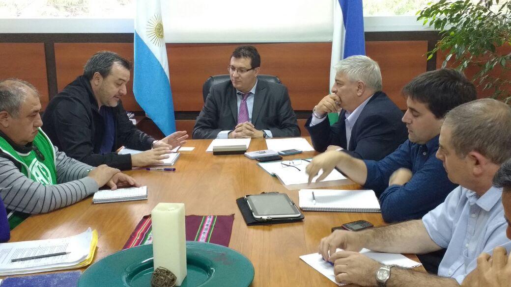 Histórico acuerdo entre ATE y el Ministerio de Desarrollo Social permitirá terminar con las becas