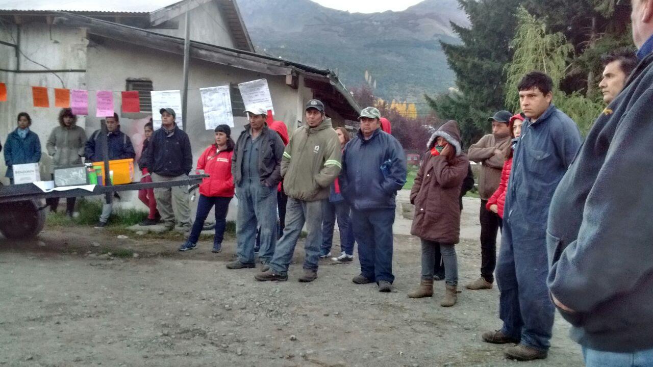 Resultado de imagen para trabajadores de el bolson en asamblea