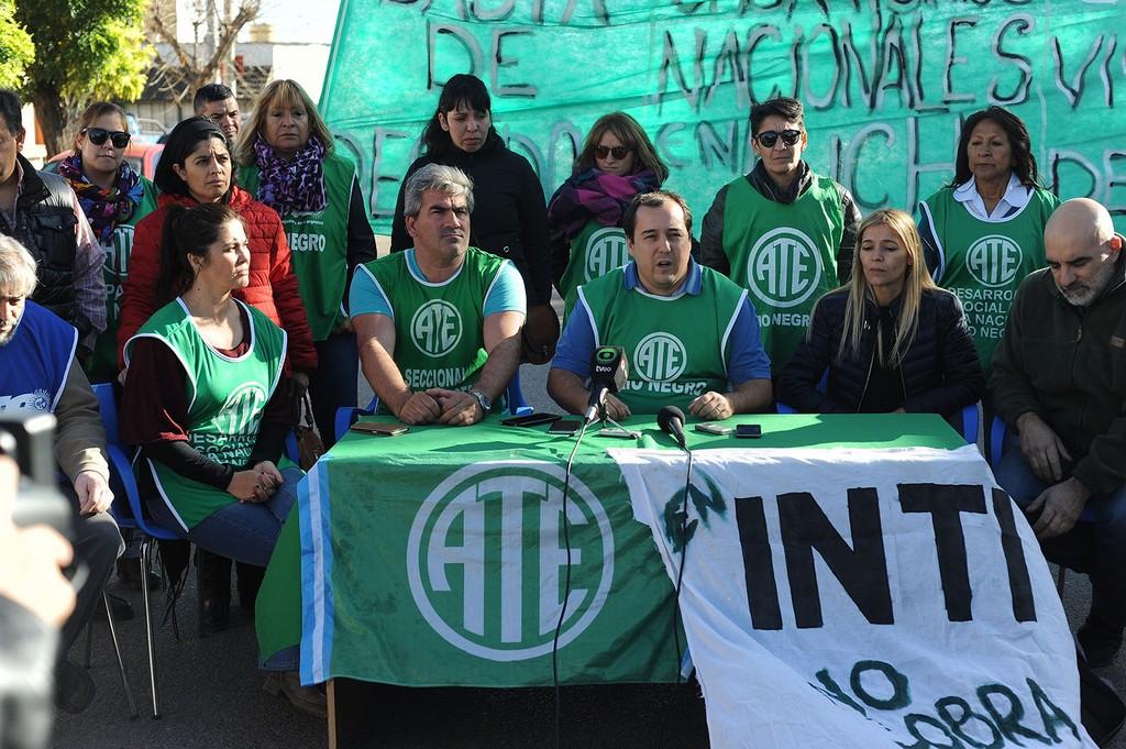 Importante│ ATE anunció en Viedma la continuidad de la ocupación en Desarrollo Social