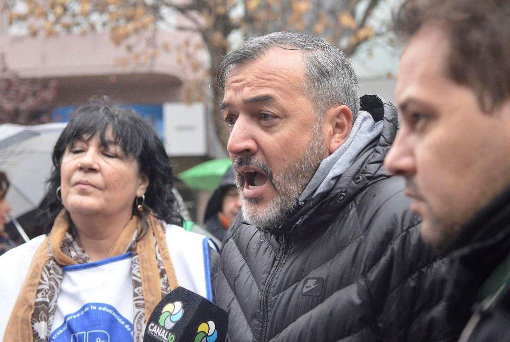 """Aguiar: """"Pichetto acompañará a un presidente con 80% de imagen negativa en Río Negro"""""""