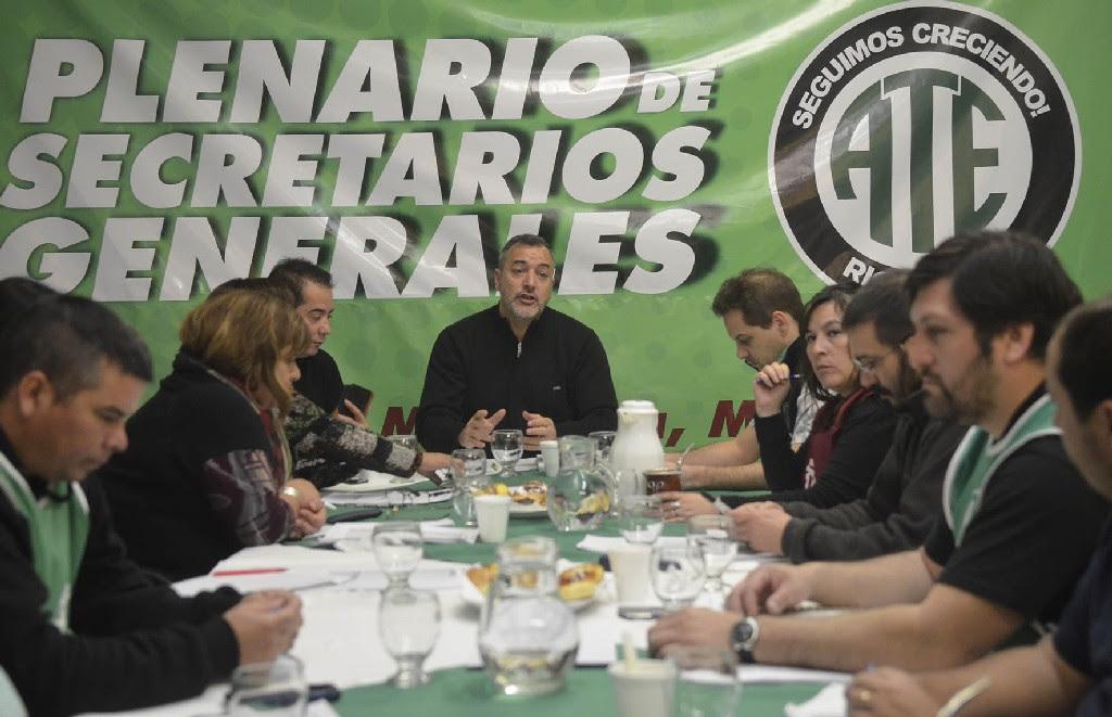 Secretarios Generales de ATE exigen que Weretilneck convoque urgente a paritarias