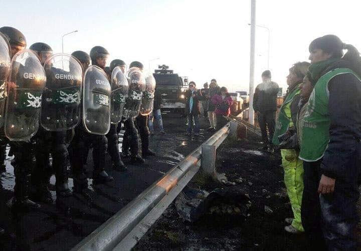 ATE Río Negro junto a la conducción de ATE Santa Cruz en el juicio en su contra