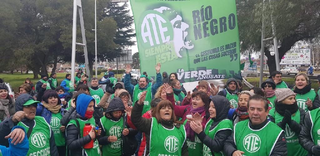 Con alta adhesión al paro y silencio oficial, ATE llama a un plenario para profundizar las protestas