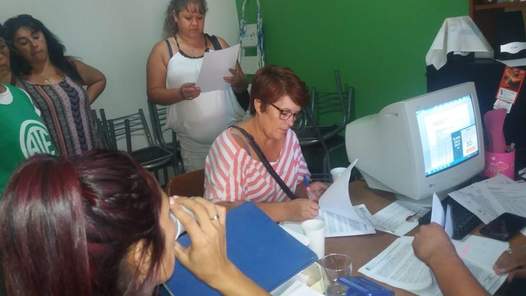 Villa Regina | ATE celebrareincorporación detrabajadoras despedidas