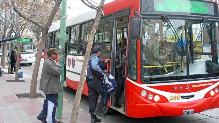 ATE pide a los intendentes adherir al boleto gratuito que otorgó Provincia