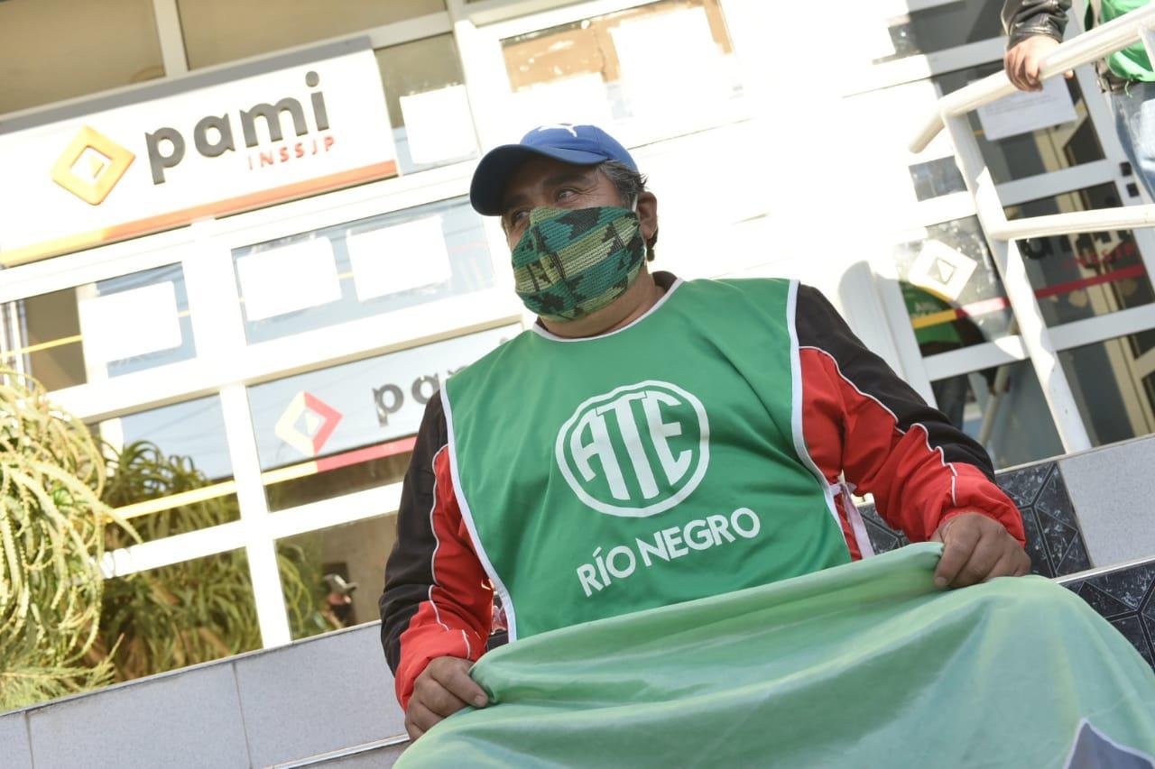 VIEDMA   ATE acuerda que oficinas de PAMI continúen cerradas por al menos 24 hs